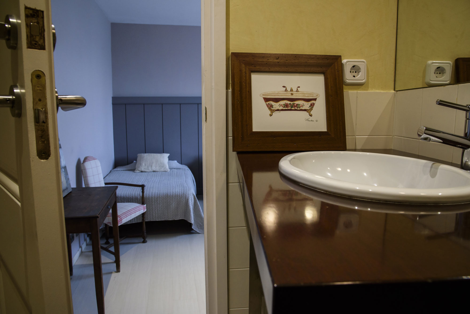 Anitas-Bed-and-Breakfast-Barcelona-R103